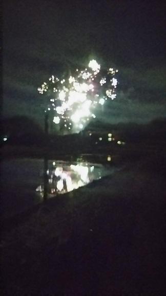 スマホで花火って、上手く撮れないですよね…